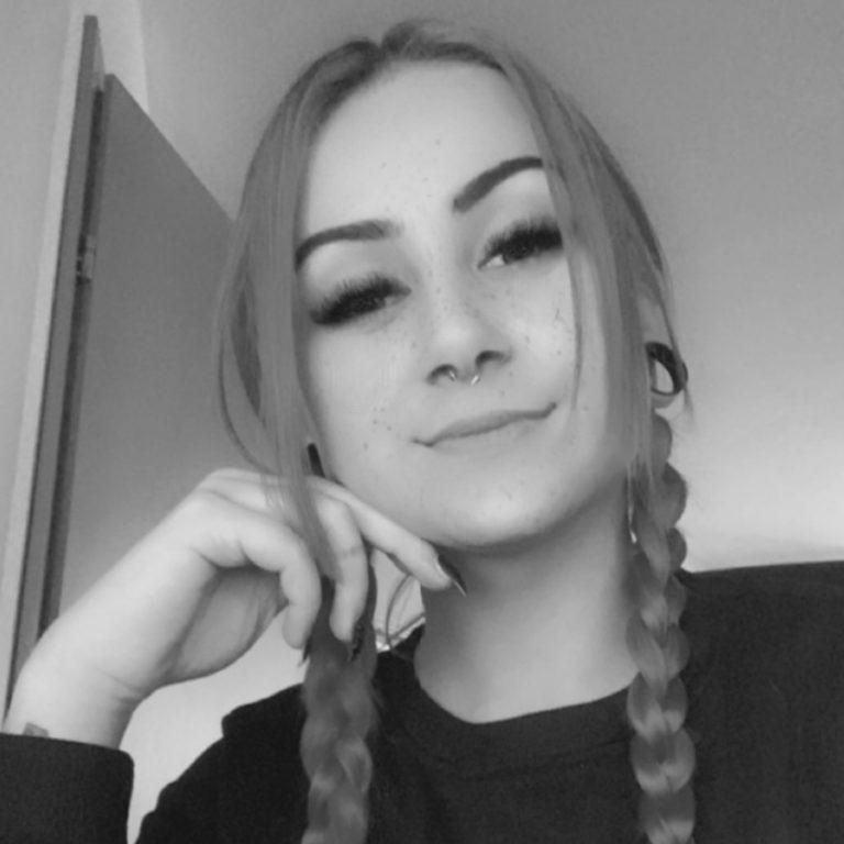Customer Service – Svenja Waltl